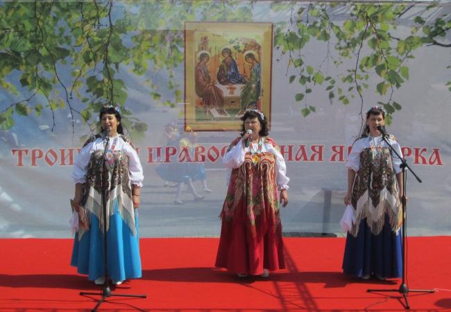 Выступление  коллективов Садовского СДК на православной Троицкой ярмарке