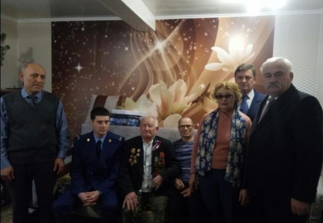 Ветерана Великой Отечественной войны поздравили с Днем рождения.