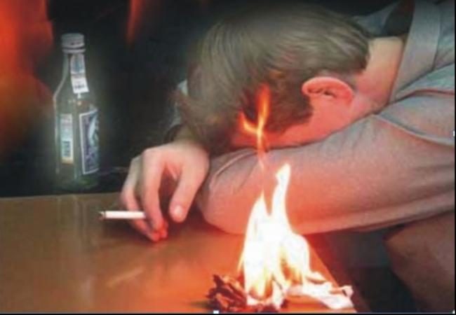 Курение в постели в нетрезвом состоянии — основная причина пожара