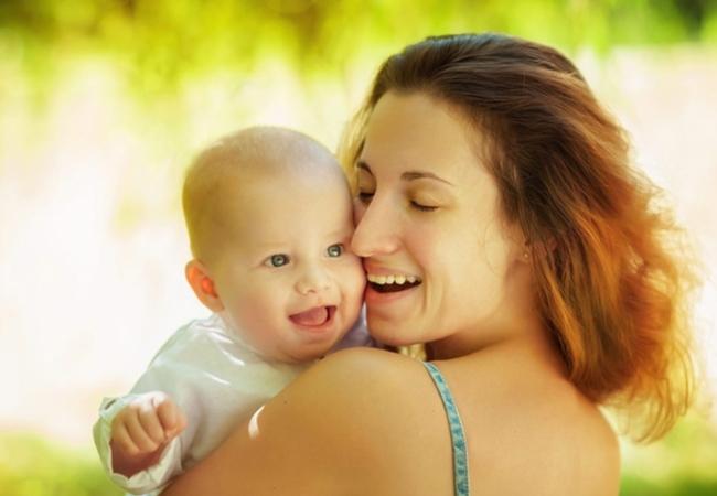 Назначение и осуществление ежемесячной выплаты в связи с рождением (усыновлением) первого ребенка