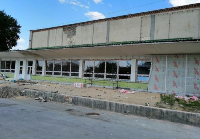 Продолжаю посещать объекты, в которых на территории района проходит капитальный ремонт или строительство объектов.