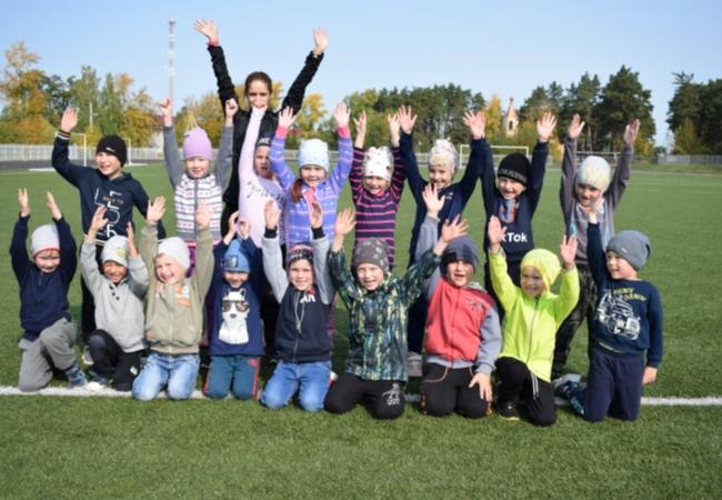 14 сентябре на центральном стадионе с. Кетово сотрудники центра тестирования ГТО приняли нормативы у дошкольников 6-ти и 7-ми лет.