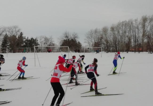В минувшую субботу 6 февраля в с. Лесниково на стадионе КГСХА прошли областные соревнования по лыжным гонкам на призы Главы Кетовского района.